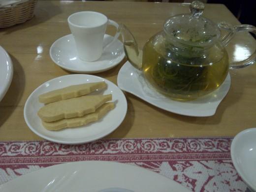 Their tarragon tea  to end the   day!