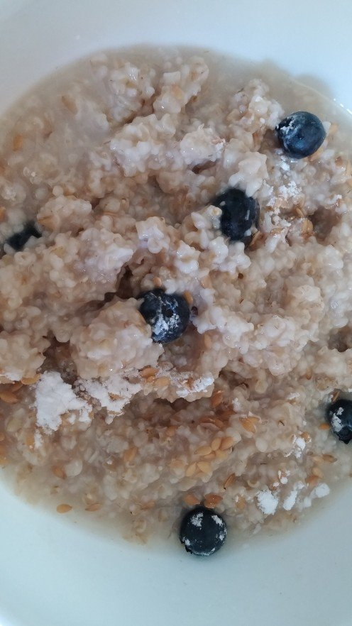 I often add blueberries to oatmeal for a healthy topping.