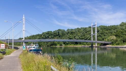 Bridge (N909) over the Meuse near Heer-Agimont