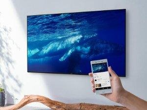 The Sony Smart LED TV will let your dad send movies and music from his smartphone to his TV using Google Cast