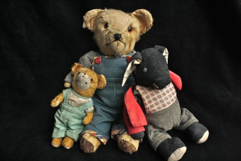 How to Find out How Old an Antique Teddy Bear Is