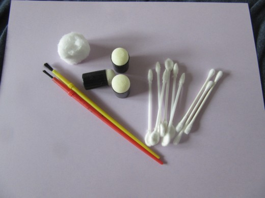 Different applicators can be used to apply chalks to your paper crafts
