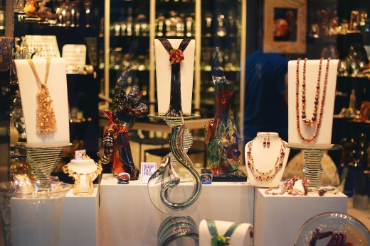 Attractive jewelry displays are critical for attracting customers to make a purchase.