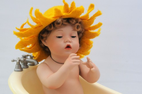 How to Make a Wet-Felted Sunflower Hat for a Newborn Baby