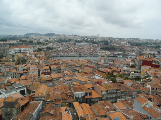 View from Tiorre dos Clerigos towards River Douro.