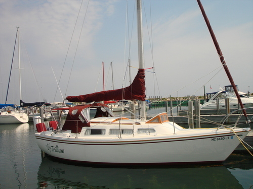 Our 1973 Catalina 27 . Hull  #60