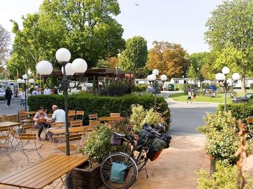 Campsite in the Bois de Boulogne, Paris Much improved since 1970!