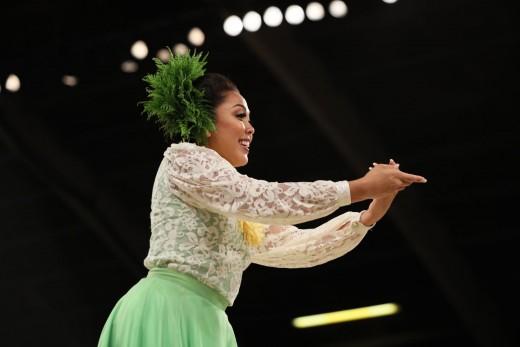 Miss Aloha Hula 2017 Kelina Kiyoko Ke'ano'ilehua Tiffany Eldredge, Hālau Hi'iakaināmakalehua, Nā Kumu Hula Robert Ke'ano Ka'upu IV & Lono Padilla. She also won the OHA Hawaiian Language Award for her use of the language in her opening chant.