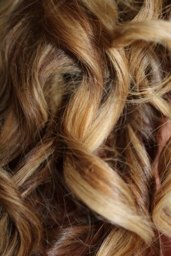 A Guide to Perming and Avoiding 12 Common Symptoms of Hair Damage