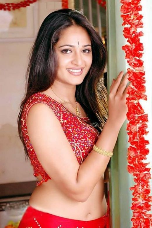 Anushka is a real beauty...her smile, her vivacity is incandescent