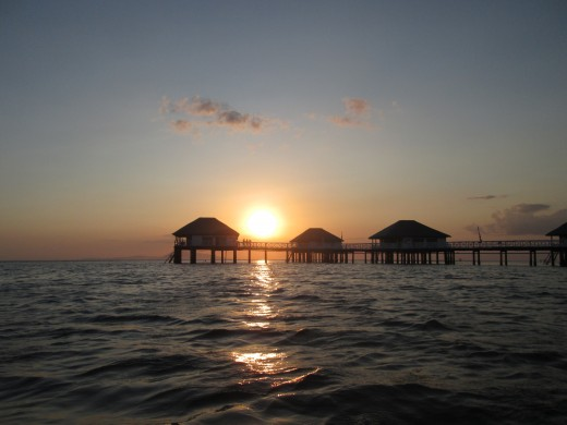 STILTS Cabins In The Sunset