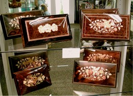Inlaid music boxes are attractive and elegant as well as delightful