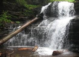 Shawnee Falls (30 feet)