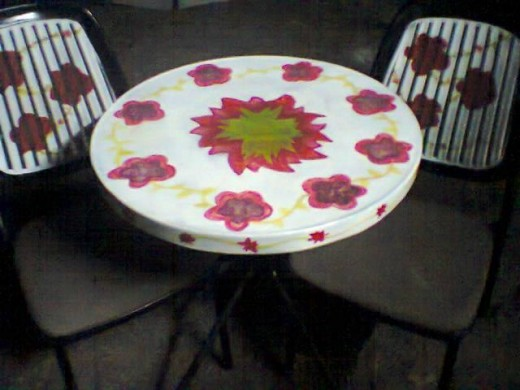 Second-hand table and chairs revamped!