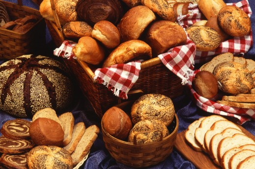 Bread and other simple carbs should be fed in moderation to avoid obesity