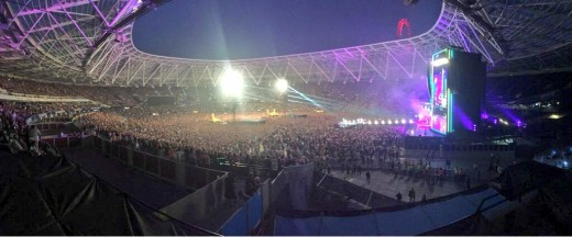 Lights, cameras, action - now raise the roof at the London Stadium! There hasn't been this much life here since Daniel Craig's performance at the 2012 Olympics!