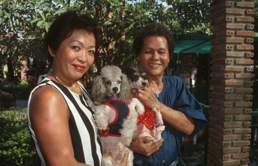 Nancy and Ric Porcalla with their dogs