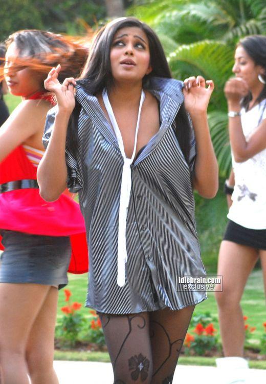 Hot Desi Sexy Actress Priyamani- Only Hot Photos