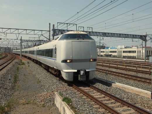 Japanese train:  UK could learn a lot from Japanese system.