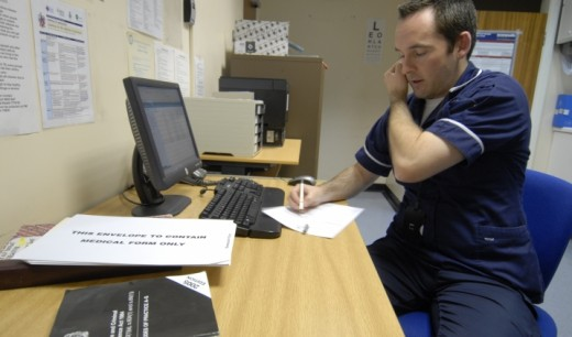 A prison nurse prepares a diagnosis