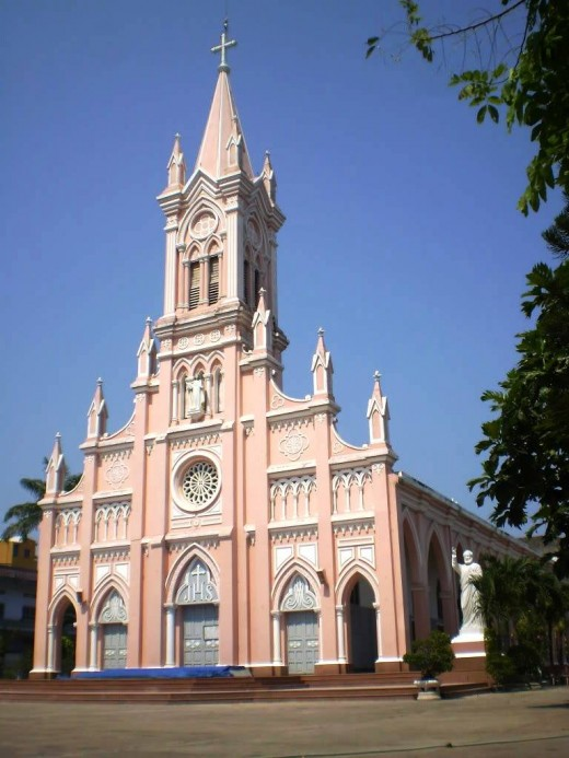 Danang Cathedral, Tran Phu Street