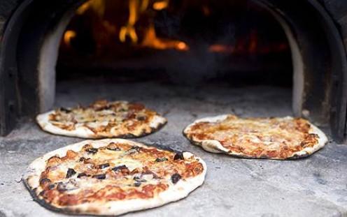 Kids favourites - Pizza.  Easy to make, good to eat!