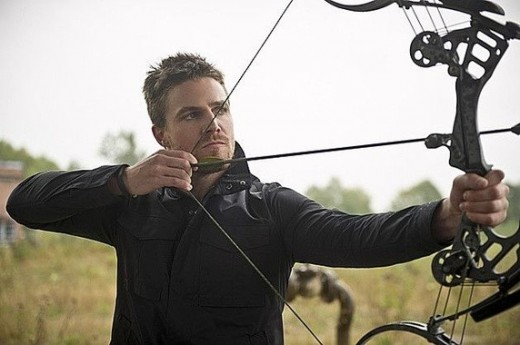 Felicity had a oneida Kestrel compound bow custom made for Oliver.