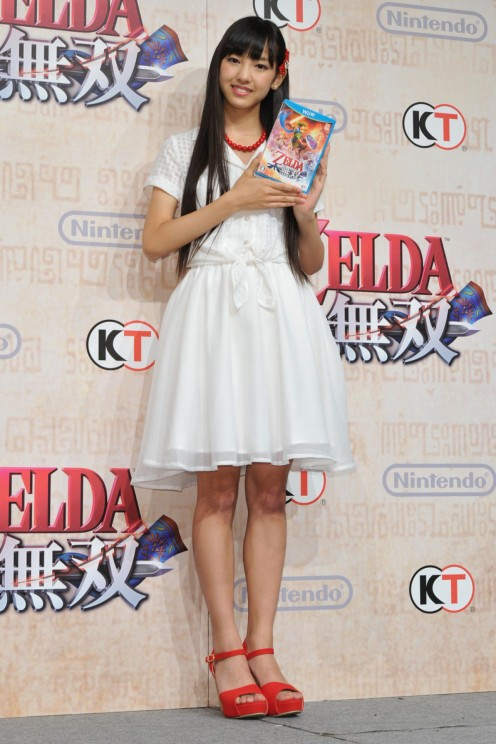 10th generation member Haruna Iikubo at an event promoting a Zelda video game.