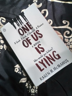Book Reviews and Recommendations: One of Us Is Lying by Karen M. Mcmanus