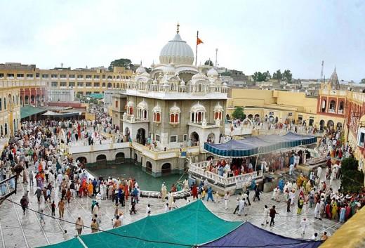 Sikh pilgrims at Panja Saheb.