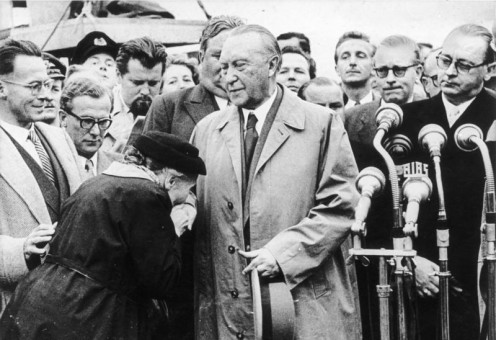 Cologne/Bonn, Adenauer, mother of a prisoner of war