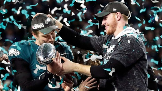 Eagles QBs Nick Foles (L) and Carson Wentz at Super Bowl LII