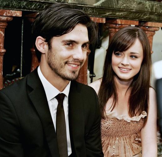 Milo Ventimiglia (Jess) and Alexis Bledel (Rory).