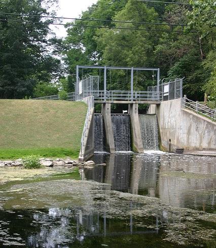 Dam at the Dam Site Inn