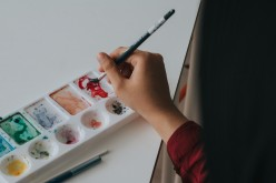 8 Cheap and Easy Art Projects for Homeschooling, Rainy Days, & More