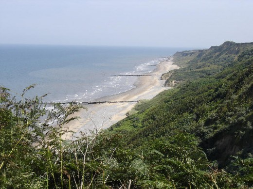 A picture of the Norfolk coastline just to the East of Cromer.  Source: Bluemoose via Wikimedia Commons