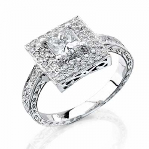 The Pave' setting is perfect for an engagement ring with a lot of diamonds, a few diamonds surrounded by other stones, or a single diamond surrounded surrounded by other stones.