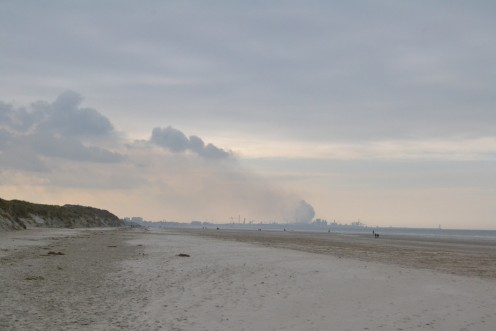 Bray-Dunes beach, looking towards Dunkirk (Nord, France)