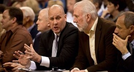 Jim Boylen and Gregg Popovich coaching the San Antonio Spurs