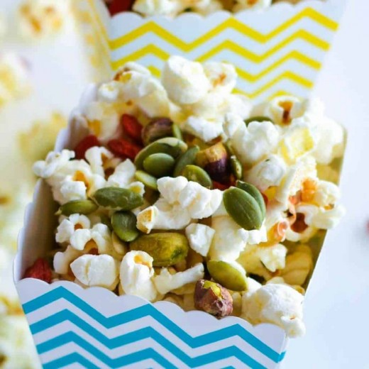 Healthy Christmas Popcorn
