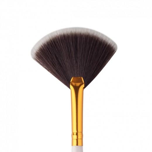 Fan Blush Brush