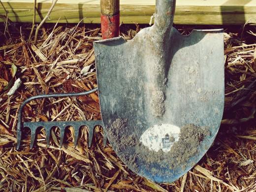 Dirt garden tools