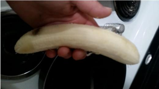 peel and eat a ripe banana