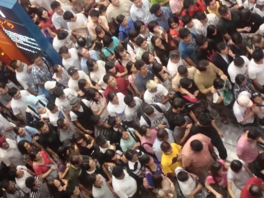 It show crowd, Singapore