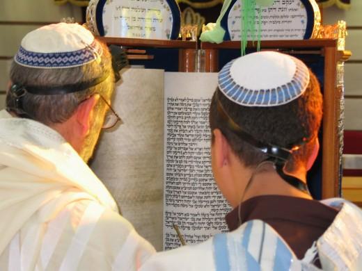Jews studying the Torah
