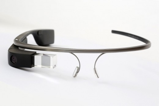 Google Glass and similar systems may one day be an access point to online classes.