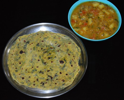 Potato curry served with Fenugreek Leaf Thepla