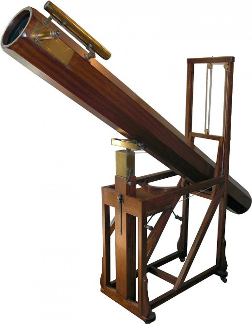 Replica of the telescope used by Herschel that helped him to discover the planet Uranus.