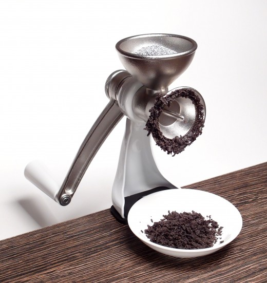 Poppy seeds and grinder