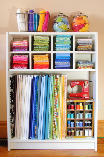 Getting your fabric organized is easy and will make your craft space look lovely. Here are some ideas for your fabrics